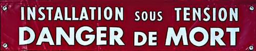 Banderoles et affiches de signalisation des zones de travail
